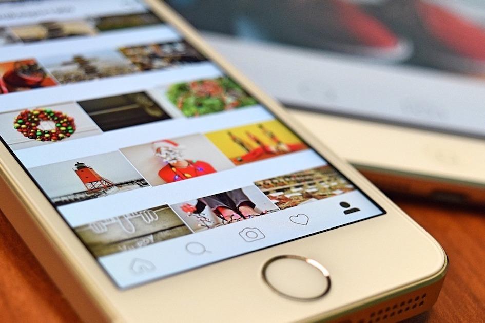 viele Bilder auf der Instagram App in bunt